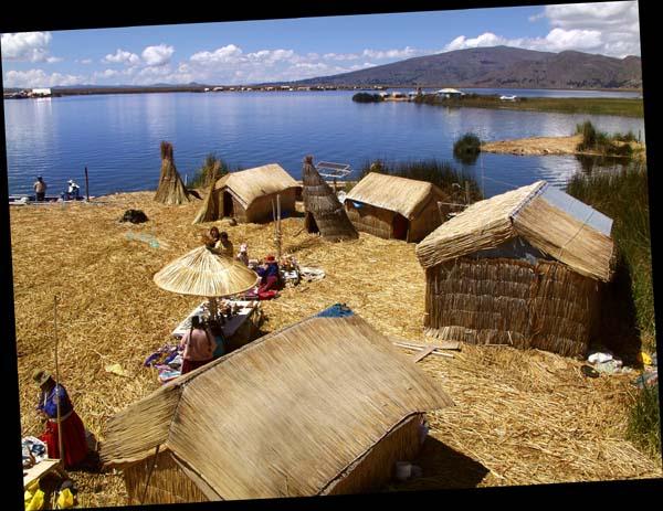 Islas Flotantes, Lago Titicaca